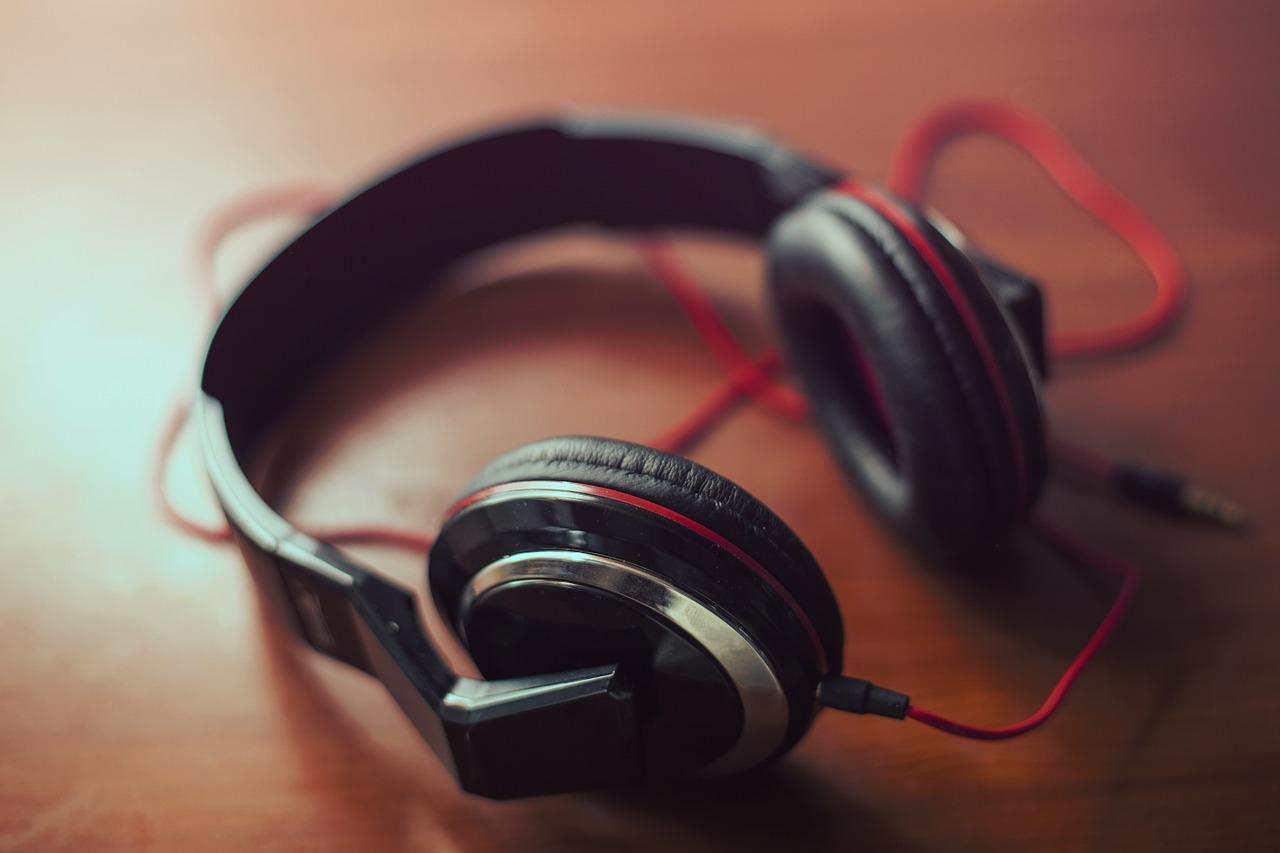 Over-Ear Headphones,headphones, earphones, audio